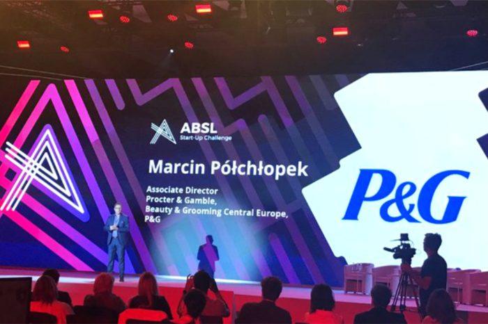 """Firma P&G w ramach szóstej edycji programu """"Poland Prize powered by Huge Thing"""", podjęła wpółpracę z trzema zagranicznymi startupami: FerretVideo, Peekd.ai oraz Visor.ai."""