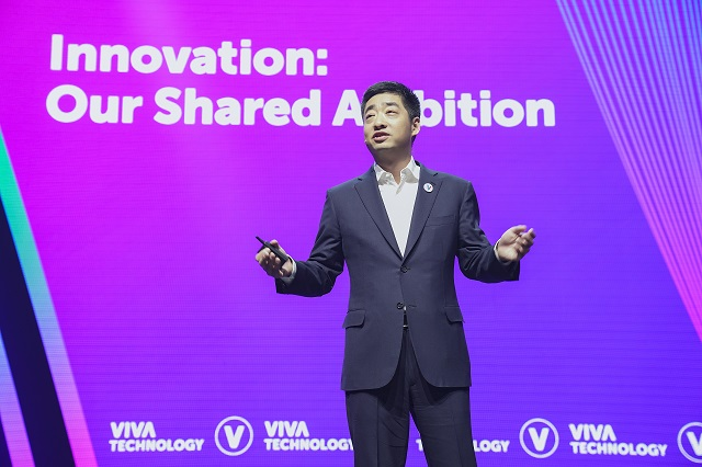 Wiceprezes Huawei, Ken Hu podczas konferencji VivaTech w Paryżu, potwierdził że Huawei w ciągu najbliższych 5 lat zainwestuje 35 mln euro w paryski OpenLab.