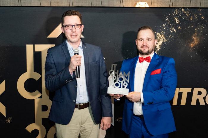 EPSON podwójnym zwycięzcą gali IT Champions 2019 - Firma EPSON została najlepszym producentem w kategoriach Druk Atramentowy oraz Rozwiązania dla Edukacji.