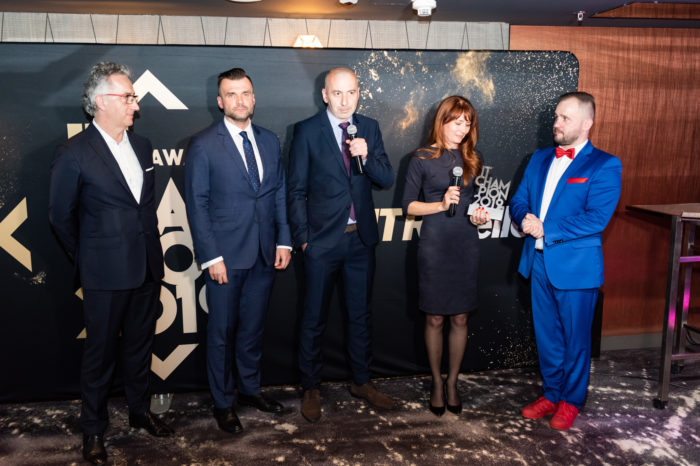 INGRAM MICRO nagrodzony tytułem IT Champion 2019! INGRAM MICRO, dystrybutor z wartością dodaną, pewnie zwycięża w kategorii Dystrybutor VAD!