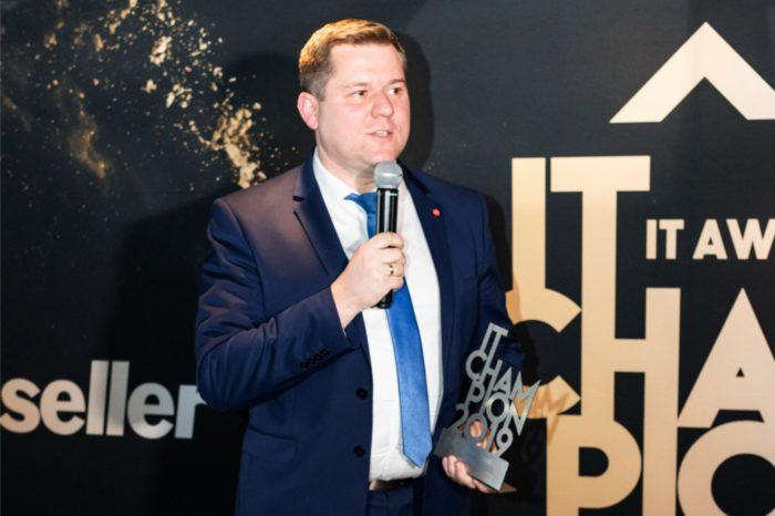FUJITSU Polska podczas uroczystej gali została uhonorowana tytułem IT Champion 2019 - Firma FUJITSU została najlepszym producentem w kategorii Data Protection.