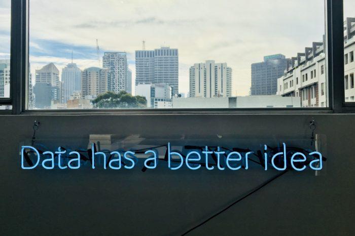 """Analiza emocji i danych jest przyszłością biznesu! - Kolejnym krokiem rozwoju technologii staje się łączenie """"twardych"""" danych biznesowych z cyfrową analizą uczuć i emocji konsumentów – podkreślali eksperci SAP CX Day."""