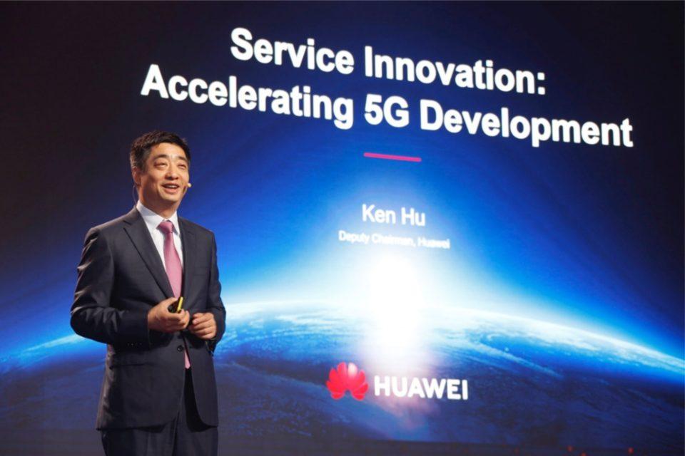 Ken Hu, Wiceprezes Huawei podczas MWC 2019 w Szanghaju przybliżył postępy firmy we wdrażaniu 5G oraz przedstawił jak innowacje w usługach i międzysektorowa współpraca napędzają wzrost popularności 5G.