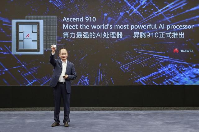 Huawei Ascend 910 - premiera procesora stworzonego z myślą o AI. Sztuczna inteligencja zyskała potężnego sojusznika.