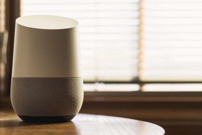 Google spada na trzecie miejsce na światowym rynku inteligentnych głośników. Liderem pozostaje Amazon. Kto jest drugi?