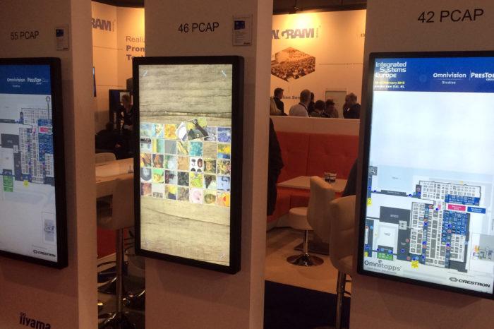Nowe ekrany digital signage produkcji iiyama. Japońska firma obiecuje lepszą jakość obrazu i skuteczniejszą obsługę dotykową, nawet jeśli ekran znajdzie się za dodatkowym szkłem.