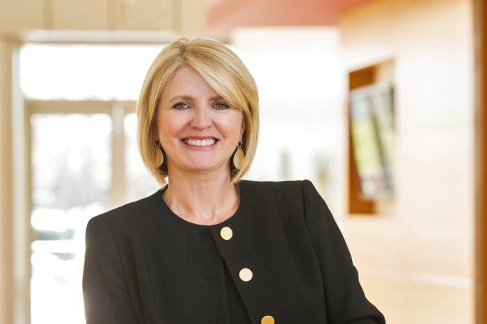 Karen Walker dołącza do Intela jako starszy wiceprezes i dyrektor ds. marketingu. Walker wcześniej pracowała jako dyrektor ds. marketingu w Cisco.