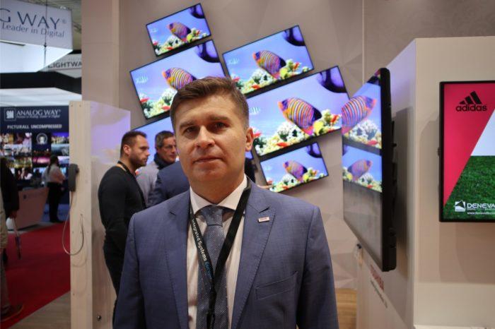 M4B S.A. przejmuje biznes monitorów wielkoformatowych japońskiej firmy Toshiba w Polsce, stając się jednym z liderów w branży Digital Signage.