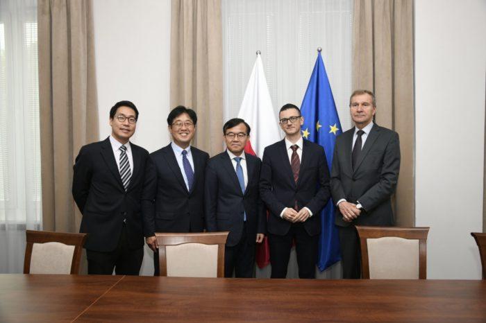Samsung podpisał porozumienie z Ministerstwem Cyfryzacji na rzecz zwiększenia cyberbezpieczeństwa Rzeczypospolitej Polskiej.