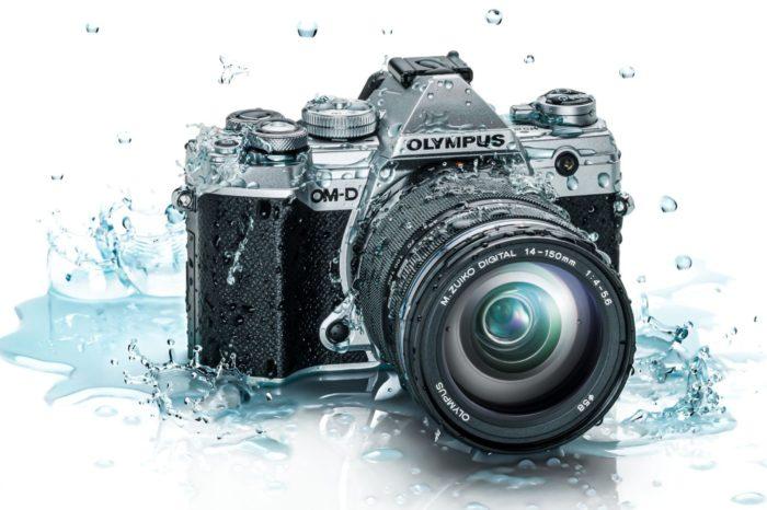 Olympus oficjalnie prezentuje najnowszy model aparatu Olympus OM-D E-M5 Mark III, z wbudowaną pięcioosiową stabilizacją obrazu.