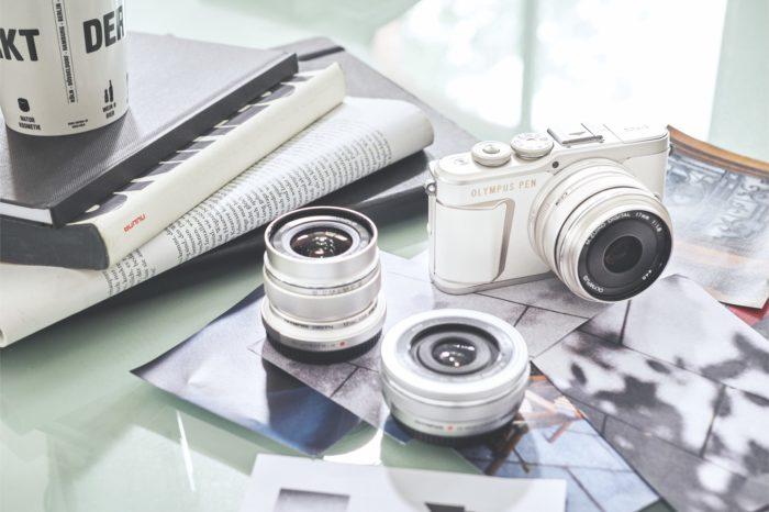 Lekki, stylowy, przestronny i wyposażony w szereg kreatywnych funkcji - to wszystko łączy w sobie nowy, innowacyjny aparat Olympus PEN E-PL10.