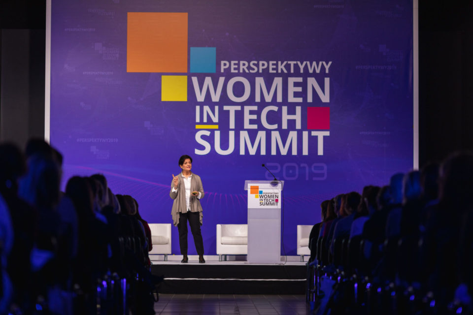 Amazon wspiera Women in Tech Summit - Kobiety w firmie kluczem do sukcesu biznesu, do 2030 roku kobiety będą stanowić do 40 proc. specjalistów IT na całym świecie.