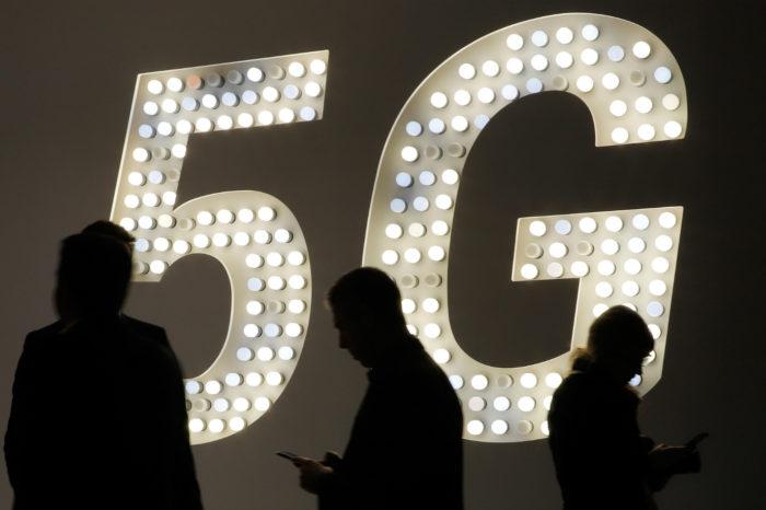 Nowe badania wskazują, że dostawy smartfonów 5G na rok 2020 wyniosą mniej niż 200 milionów sztuk. Rewolucja 5G jednak nie tak szybka jak byśmy tego chcieli?