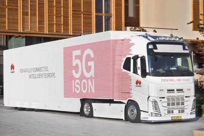 W Brukseli, z okazji konferencji FT-ETNO zagościła ciężarówka 5G Huawei. Pokaz możliwości technologii 5G na żywo to obowiązkowy punkt dla zwiedzających konferencję poświęconą nowoczesnej łączności.