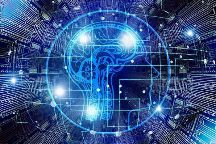 """Kto będzie sprawował kontrolę – człowiek czy sztuczna inteligencja? Raport fundacji Centrum Cyfrowe """"Człowiek vs AI""""."""