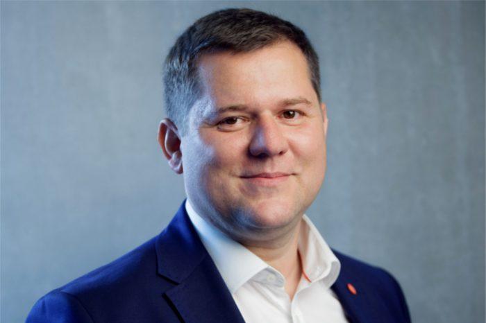 Uproszczenie IT - rozmowa ze Stanisławem Leszczyńskim, regionalnym szefem sprzedaży na Europę Wschodnią w Nutanix i Dariuszem Kwiecińskim, prezesem Fujitsu Polska, o współpracy strategicznej między firmami.