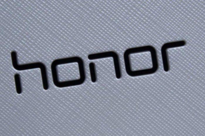 Honor View 30 Pro: smartfon z łącznością 5G trafi na światowe rynki, niestety bez Google Mobile Services, za to z usługami Huawei Mobile Services.