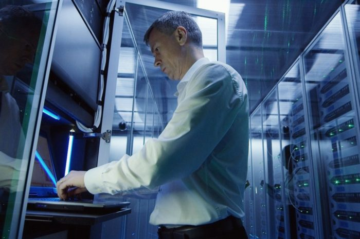 Fujitsu wprowadza program gwarantujący wydajność rozwiązań informatycznych. Nowy standard wyznacza ETERNUS Never Worry.