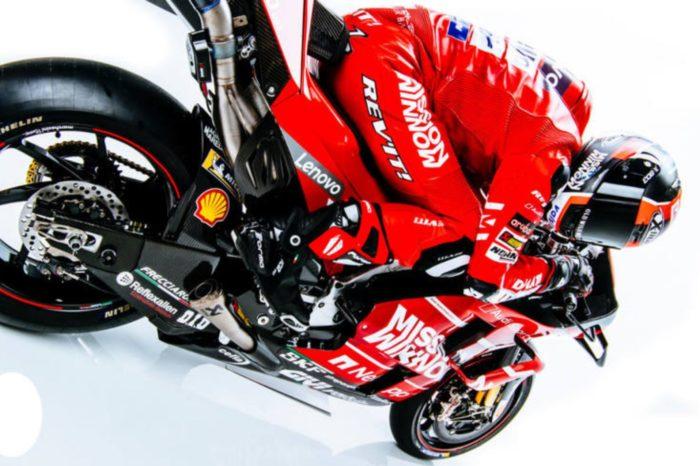 Motorola informuje 0 nawiązaniu rocznego globalnego partnerstwa z Ducati — światowym liderem innowacyjności na rynku motocyklowym.