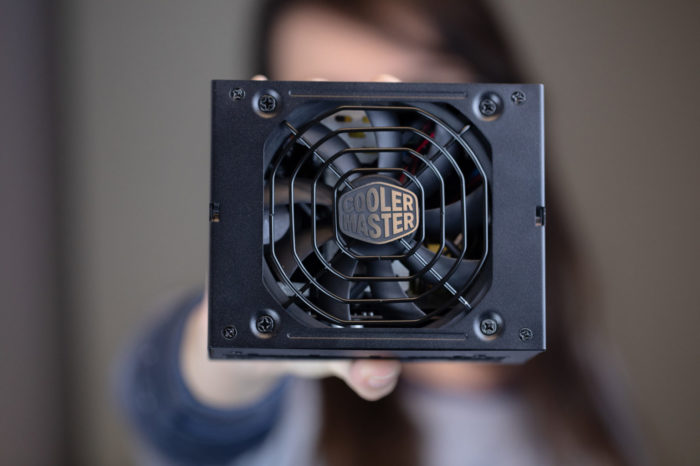 Dobra wiadomość dla osób budujących komputer w małej obudowie. Cooler Master wypuścił zasilacz w formacie SFX o mocy 850W.