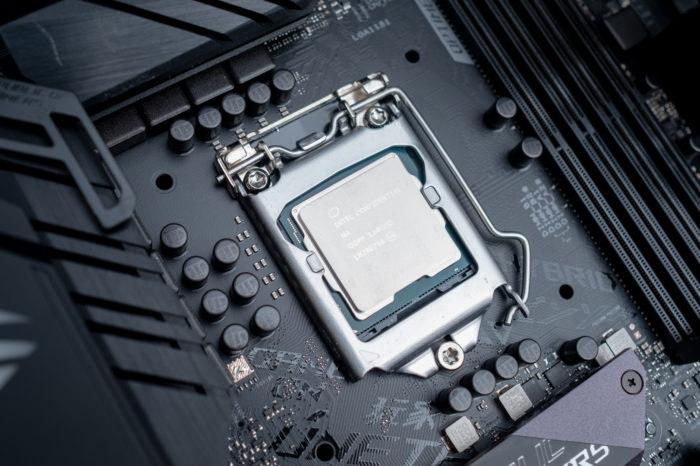 Pierwsze płyty główne dla stacji roboczych z procesorami Intel Comet Lake zaczynają pojawiać się w sieci. Wraz z nimi zadebiutują chipsety W480 i Q470.
