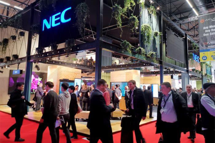 ISE 2020: NEC prezentuje szereg rozwiązań z zakresu digital signage m.in. projektory do wizualizacji na dużych obiektach, stół dotykowy i platformę analityki dla biznesu.