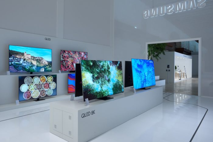 Polska jak i świat najczęściej wybierają telewizory Samsung, co potwierdzają dane za pierwsze półrocze br. Udział producenta w światowym rynku telewizorów pod względem wartości wynosi ponad 30%.