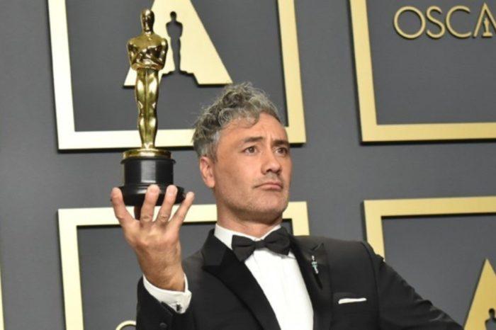 """Oscary rozdane. W Hollywood pojawił się wątek technologiczny. Reżyser nagrodzonego statuetką filmu """"Jojo Rabit"""", Taika Waititi, krytykuje Apple."""