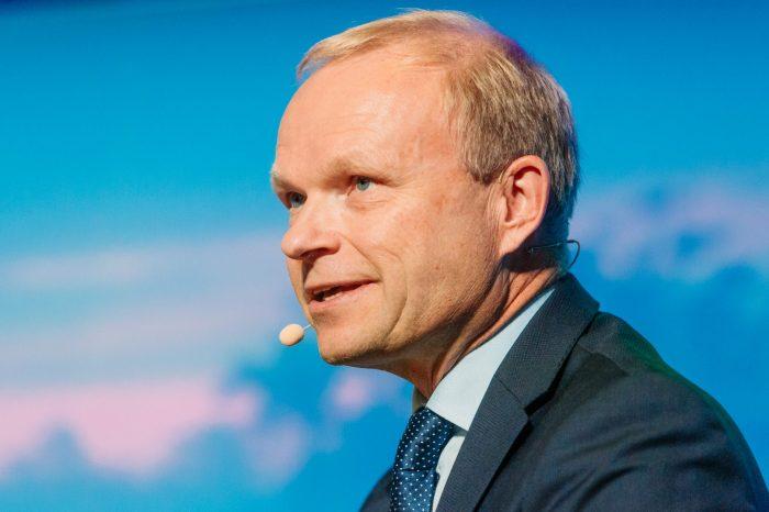 Pekka Lundmark, nowy CEO Nokii, dołączy do firmy 1 sierpnia, miesiąc wcześniej niż planowano, poinformował fiński producent sprzętu telekomunikacyjnego.