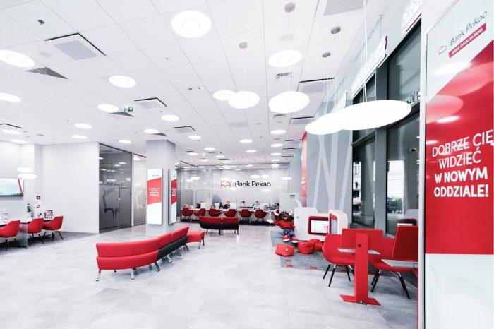 Nanovo, lider rynku rozwiązań digital in-store, zaprojektował i wdrożył system cyfrowego kanału komunikacji w jednym z największych banków w Europie Środkowo-Wschodniej – Banku Pekao S.A.