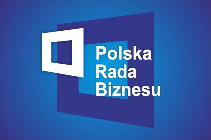Polska Rada Biznesu uruchomiła 17. edycję programu płatnych staży w kraju, w tym roku ponad 40 firm przygotowało ponad 100 ofert stażowych.
