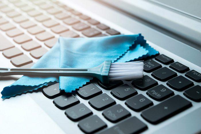 Mycie rąk to nie wszystko. Fixit podpowiada jak zadbać o swój sprzęt PC w czasie pandemii koronawirusa? Okazuje się, że to nieco bardziej złożone niż można przypuszczać.