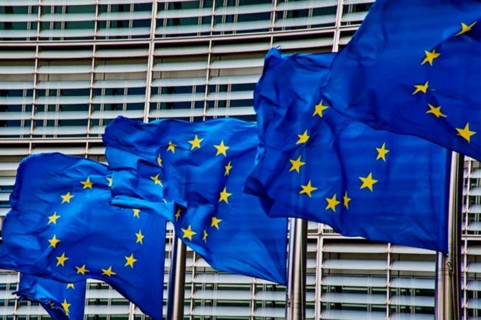 Komisja Europejska poinformowała że Polska w ramach Europejskiego Funduszu na rzecz Inwestycji Strategicznych (EFIS) otrzymała 4,4 mld euro, z szansą na 22,3 mld euro inwestycji!