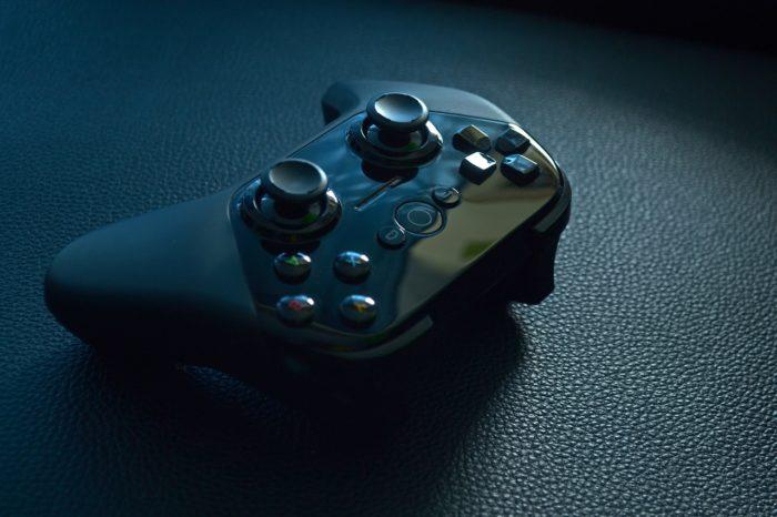 Gaming w dobie pandemii - NPD Group przebadało branżę gier w USA, odkrywając, że 2020 rok był zaskakująco dobry dla popularyzacji gier. W gry grają coraz starsi użytkownicy.
