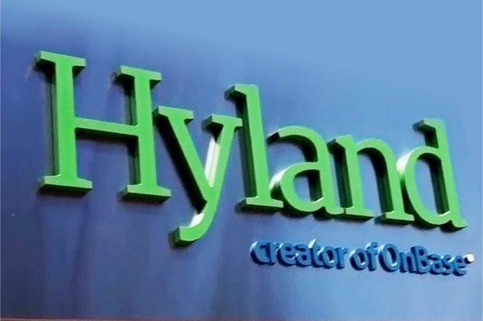 Hyland Software, amerykański dostawca platformy wymiany treści przy wsparciu Polskiej Agencji Inwestycji i Handlu (PAIH) otworzy w Katowicach centrum B+R, gdzie zatrudni blisko 80 wysokiej klasy specjalistów IT.