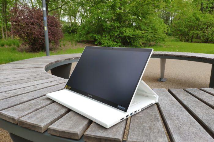 RECENZJA: Acer ConceptD 7 Ezel - laptop niczym sztaluga malarska... bardzo wydajna sztaluga.