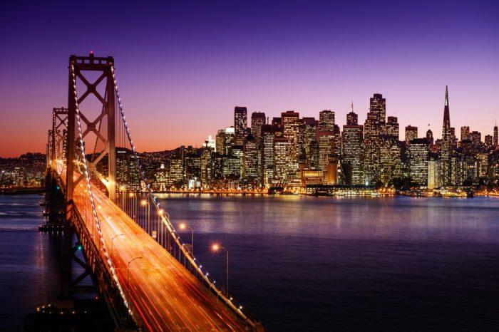 Praca zdalna ma wpływ na społeczności. Ceny wynajmu mieszkań w San Francisco spadają, ponieważ firmy technologiczne podejmują pracę zdalną, a bezrobocie w okolicy rośnie.