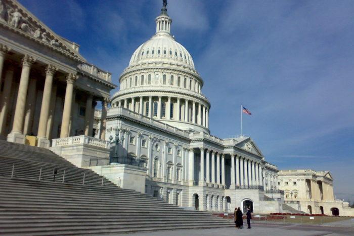 Przesłuchania prezesów największych firm technologicznych przed komisją Kongresu USA zaczną się dziś. Strategia gigantów IT polegać będzie na wykazywaniu, że zmagają się z silną konkurencją.