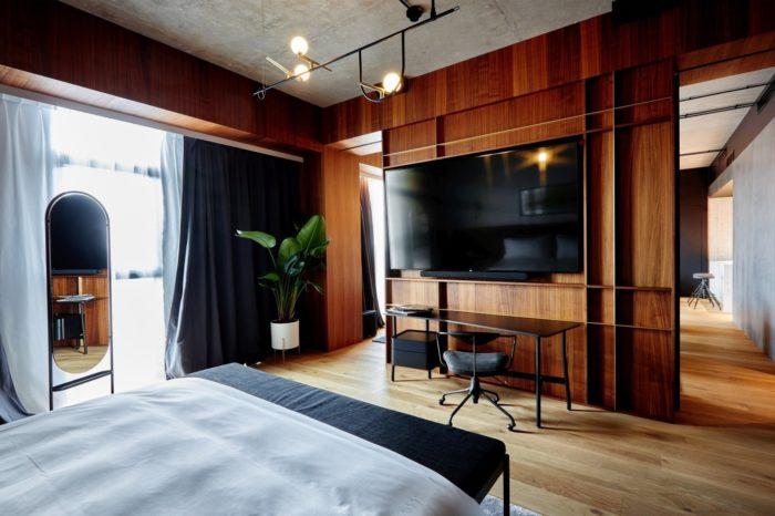 Telewizory hotelowe premium od LG w Nobu. Luksusowy hotel Nobu w Warszawie wybiera stylowe telewizory premium 98 i 86-calowe o rozdzielczości 4K marki LG.