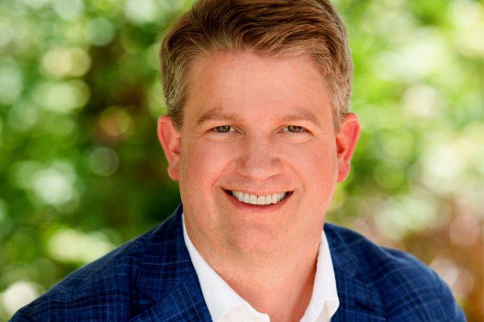 Zmiany w zarządzie Poly. Dave Shull został powołany na stanowisko CEO, Robert Hagerty pozostaje członkiem zarządu, odpowiedzialnym za nadzór nad zespołami Zarządzania oraz Strategii, a także Fuzji i Przejęć.