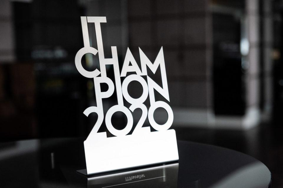IT Champions 2020 - sylwetki laureatów. VMware nagrodzony w kategorii Multicloud. Firma będąca częścią Dell Technologies konsekwentnie rozwija swoje usługi w obszarze Chmury!