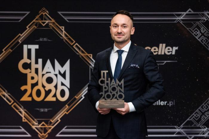 Za każdym sukcesem stoi zespół ludzi! Zaznacza Łukasz Rosa, Distribution and Proximity SMB Sales Manager w HP Inc Polska, laureat nagrody IT Champions 2020.