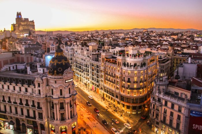"""Hiszpania szykuje się do wprowadzenia podatku od cyfrowych platform. W ojczyźnie Gaudiego daninę tę nazwano nawet """"podatkiem Google"""", co nie pozostawia wątpliwości w kogo jest wymierzona."""