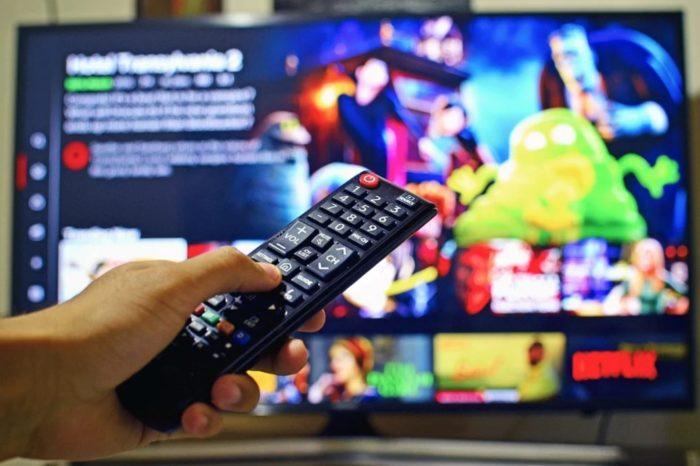 Serwisy streamingowe OTT drugim najszybciej rosnącym segmentem rynku mediów. OTT przyciąga użytkowników przed ekrany, a co z reklamodawcami?