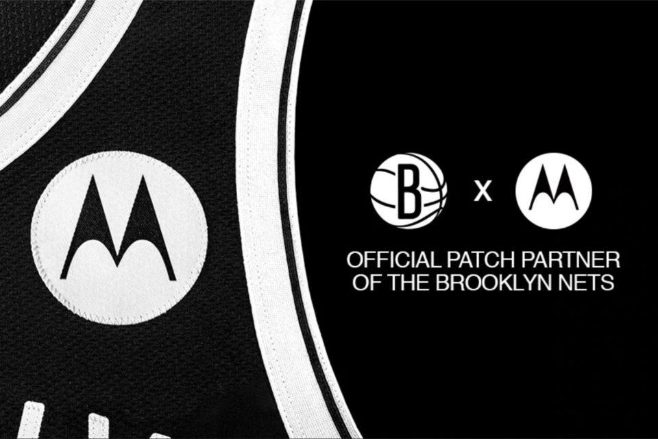 Motorola i drużyna koszykarska Brooklyn Nets w przeddzień rozpoczęcia sezonu zasadniczego ligi NBA 2020/21 ogłosiły niezwykłe partnerstwo.