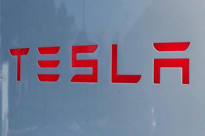 Elon Musk twierdzi, że pierwsze samochody wyjadą z nowej fabryki Tesli pod Berlinem jeszcze w listopadzie.