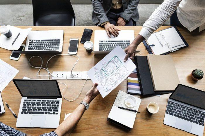 Na jaki zawód warto postawić w 2021? IMF Business School wytypowała 5 profesji