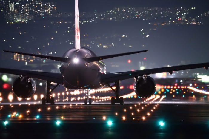 Zrównoważony rozwój portów lotniczych poprzez poprawę efektywności energetycznej. Lotniska zmniejszają swój ślad węglowy dzięki optymalizacji systemów HVAC.