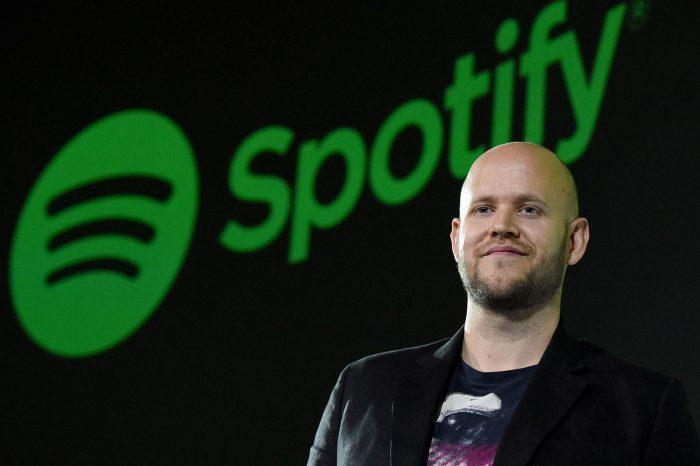 CEO Spotify, Daniel Ek, planuje kupić angielski klub sportowy Aresnal Londyn. 38-letni Szwed twierdzi, że ma już zabezpieczone odpowiednie środki