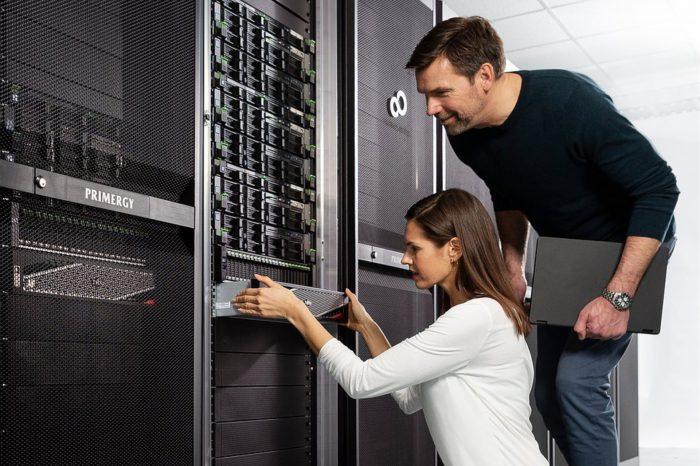 Fujitsu wprowadza nowy, rewolucyjny element zwiększający wydajność i wprowadza innowacje, które ułatwiają przedsiębiorstwom przejście procesu transformacji cyfrowej opartej na danych.